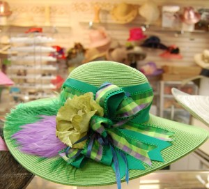 green derby hat 300x271 Hats and Horses